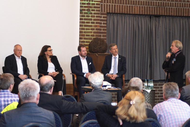 Podiumsdiskussion zu Innovationen in der Projektwirtschaft
